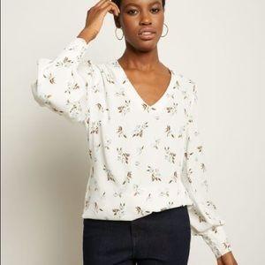 RW&CO. | V-Neck Popover Floral Blouse